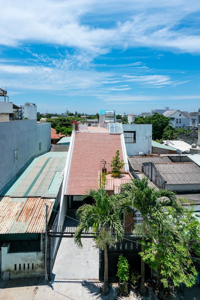 Báo Mỹ ngợi ca ngôi nhà gạch của vợ chồng già ở Đà Nẵng - Ảnh 2.