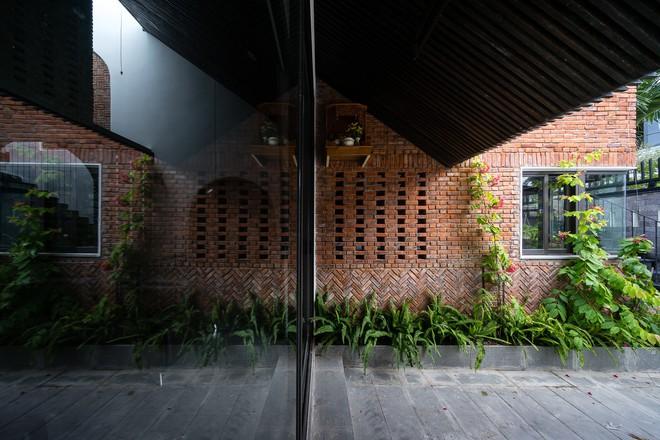 Báo Mỹ ngợi ca ngôi nhà gạch của vợ chồng già ở Đà Nẵng - Ảnh 13.