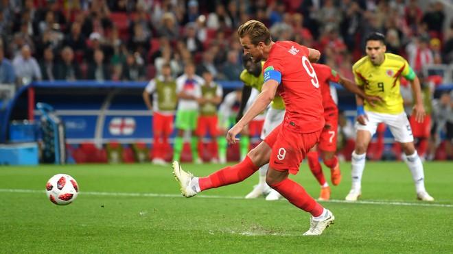 Đạp lên nỗi sợ hãi lớn nhất, ĐT Anh hát bản hùng ca trên đất Moscow 2
