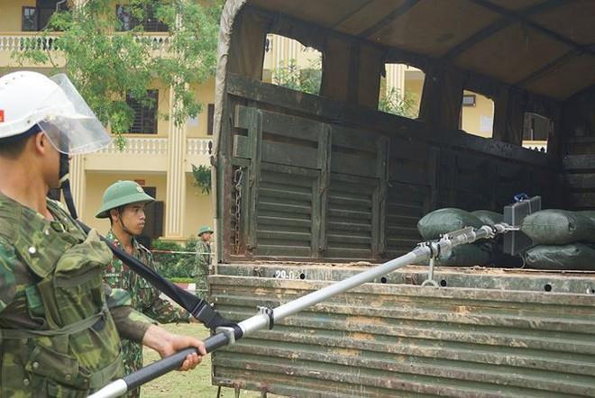 Mục kích lính công binh huấn luyện chống khủng bố - Ảnh 9.