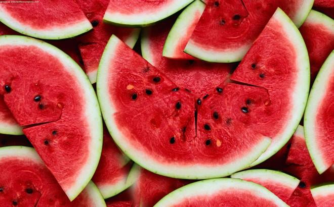 """Muốn """"sống sót"""" qua mùa hè, nên ăn ngay những thực phẩm mát gan, thải độc này"""