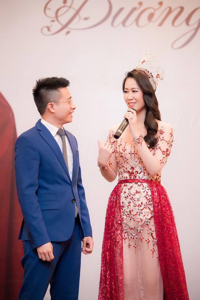 Dương Thuỳ Linh lộng lẫy xuất hiện sau khi đoạt giải Hoa hậu Phụ nữ toàn thế giới - Ảnh 5.