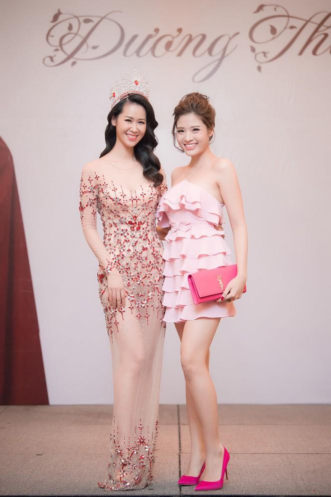 Dương Thuỳ Linh lộng lẫy xuất hiện sau khi đoạt giải Hoa hậu Phụ nữ toàn thế giới - Ảnh 11.