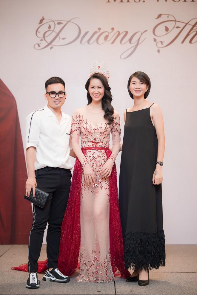 Dương Thuỳ Linh lộng lẫy xuất hiện sau khi đoạt giải Hoa hậu Phụ nữ toàn thế giới - Ảnh 9.