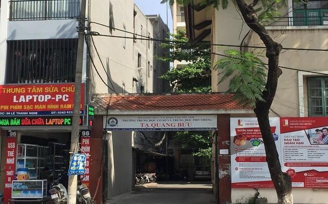 """Phụ huynh tố bị gây khó khi đòi """"phí giữ chỗ"""", trường Tạ Quang Bửu nói gì?"""