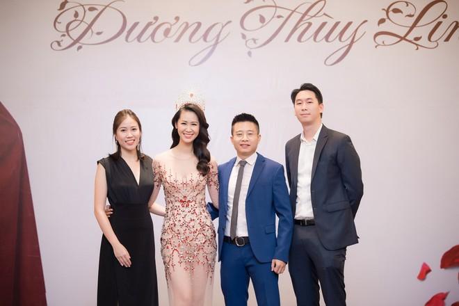 Dương Thuỳ Linh lộng lẫy xuất hiện sau khi đoạt giải Hoa hậu Phụ nữ toàn thế giới - Ảnh 3.