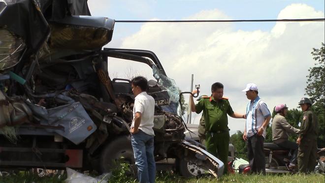 Làm rõ nguyên nhân vụ tai nạn giữa ô tô tải và xe ba gác khiến 3 người chết  - Ảnh 2.