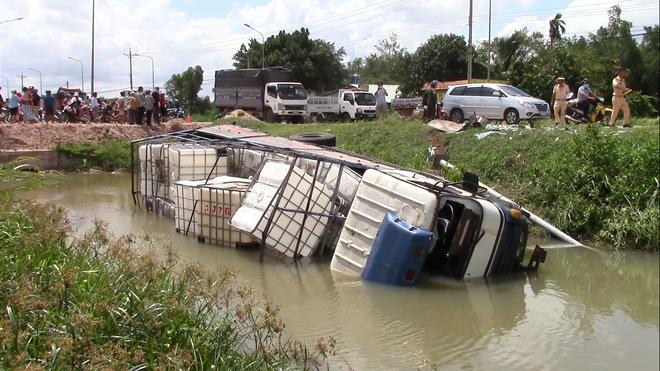 Làm rõ nguyên nhân vụ tai nạn giữa ô tô tải và xe ba gác khiến 3 người chết  - Ảnh 1.