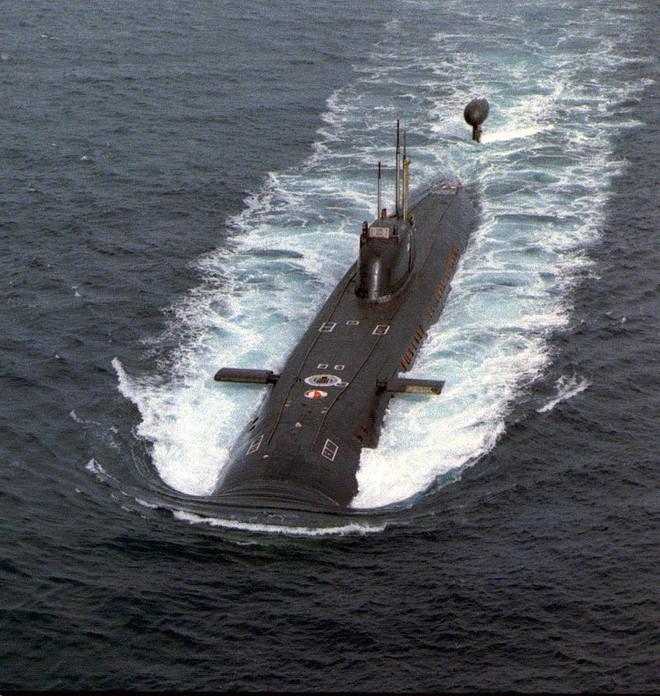 Vụ bắn nhầm hy hữu giữa 2 tàu ngầm hạt nhân Liên Xô suýt gây thảm họa không thể đo đếm - Ảnh 1.