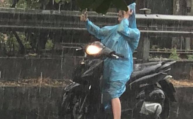 Xoáy thấp đang mạnh dần lên, Hà Nội sẽ mưa liên tục 2 ngày tới 1