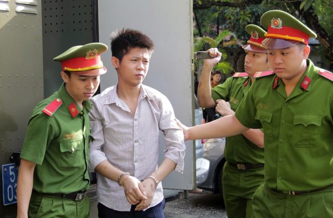 Kẻ sát hại 5 người trong gia đình ở Sài Gòn: Thời điểm gây án đã 18 tuổi 14 ngày - Ảnh 2.
