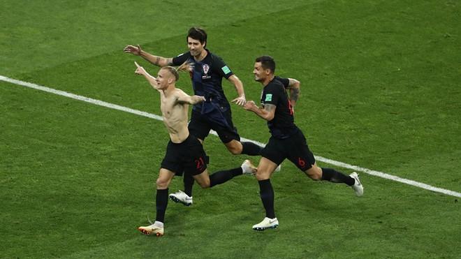 Ngẩng đầu rời World Cup trên chấm 11m, họ có thể dõng dạc 'Tôi, cầu thủ Nga' 9