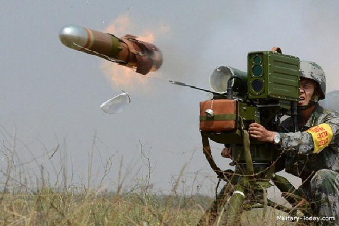 Bại trận, phiến quân Syria giao nộp số vũ khí kỷ lục: Đủ loại của Trung Quốc, phương Tây - Ảnh 1.