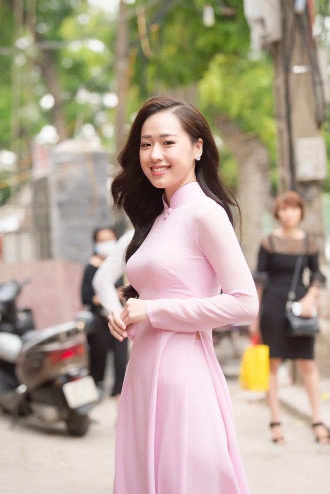 Cô gái tặng hoa Tổng thống Trump bất ngờ thi Hoa hậu Việt Nam, nổi bật nhất dàn thí sinh - Ảnh 6.