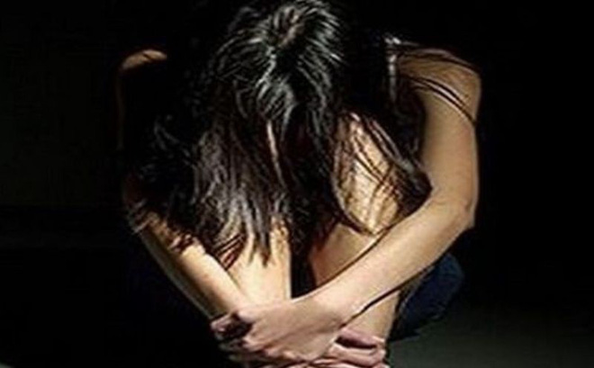 Nam thanh niên khống chế hiếp dâm bé gái 14 tuổi