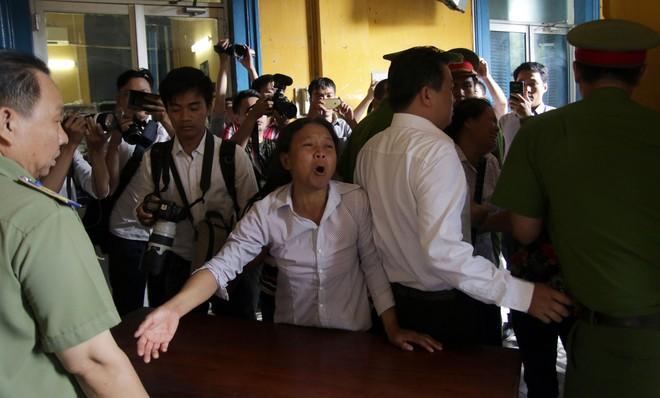 Vụ sát hại 5 người trong gia đình ở Sài Gòn: Cha mẹ, chị gái chối bỏ kẻ giết người  - Ảnh 3.