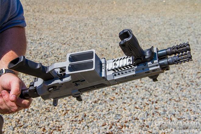 Sau 6 năm, súng trường tấn công siêu dị rắn 2 đầu chính thức được tung ra thị trường - Ảnh 6.