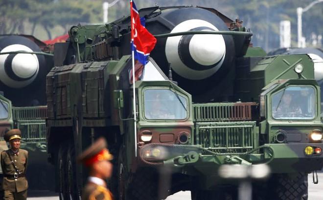 Triều Tiên đòi Israel trả 1 tỷ USD tiền mặt để không bán công nghệ tên lửa cho Iran