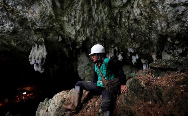 """Chàng trai từng thoát khỏi Tham Luang: """"Hang động này giống như thỏi nam châm vậy"""""""