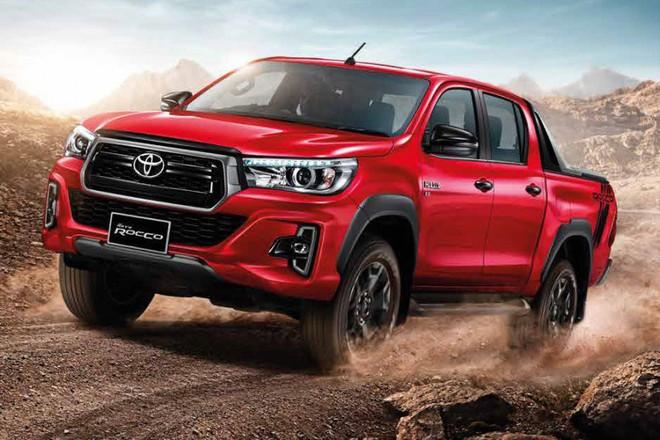 Toyota Hilux 2018 có giá từ 695 triệu tại Việt Nam. Ảnh: Toyota