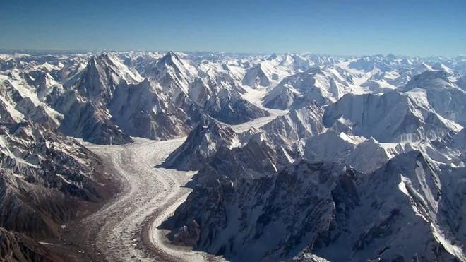 Những rãnh nứt khổng lồ đang xuất hiện ở Tây Tạng - chuyện gì đã xảy ra vậy? - Ảnh 3.