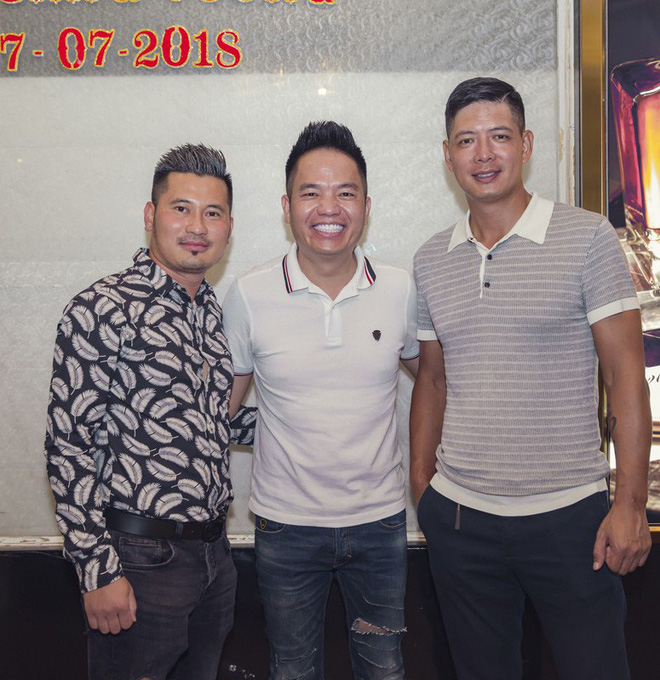 Phi Thanh Vân mặc sexy đến chúc mừng sinh nhật ông bầu Quang Cường - Ảnh 7.