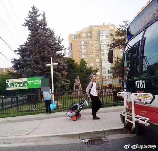 Thực hư việc con gái riêng của Thành Long nhặt rác kiếm sống tại Canada - Ảnh 2.