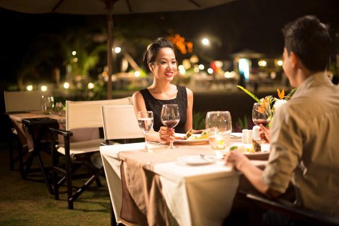 Bắt gặp chồng dẫn em gái mưa đi ăn bữa tối tình nhân, vợ lặng lẽ làm điều này khiến chồng sợ tái mặt - Ảnh 2.