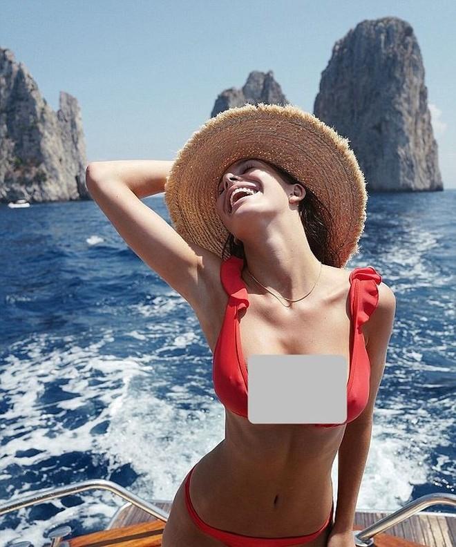 Người yêu tài tử Titanic diện bikini 'thiêu đốt' ánh nhìn - Ảnh 2.