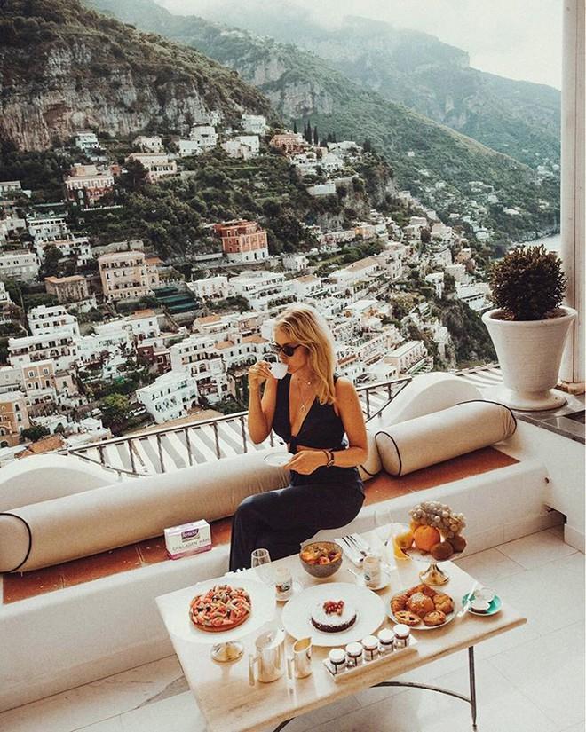 Cuộc sống không như là mơ của nữ blogger du lịch khắp thế gian: Trong ảnh sang chảnh ngút ngàn, thực tế khổ hơn địa ngục - ảnh 3
