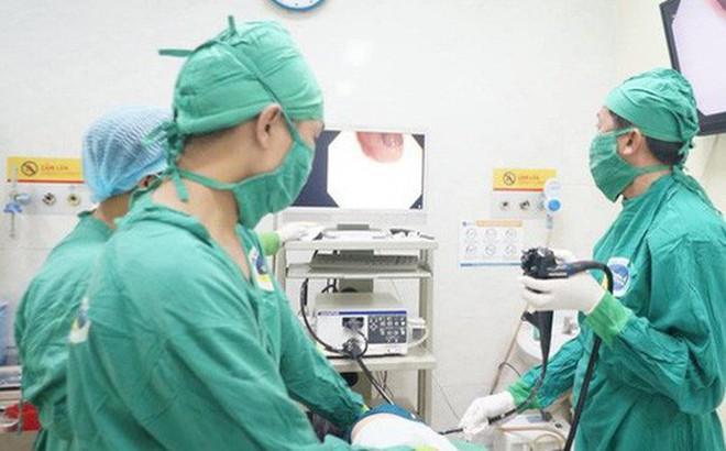 Ăn cơm xong nuốt luôn tăm xỉa răng, người đàn ông ở Tây Ninh bị thủng ruột suýt chết