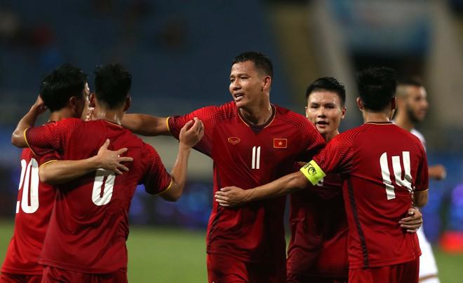 """Trong ngày lên đường dự Asiad, U23 Việt Nam nhận thông điệp """"kỳ cục"""" từ báo châu Á - Ảnh 2."""