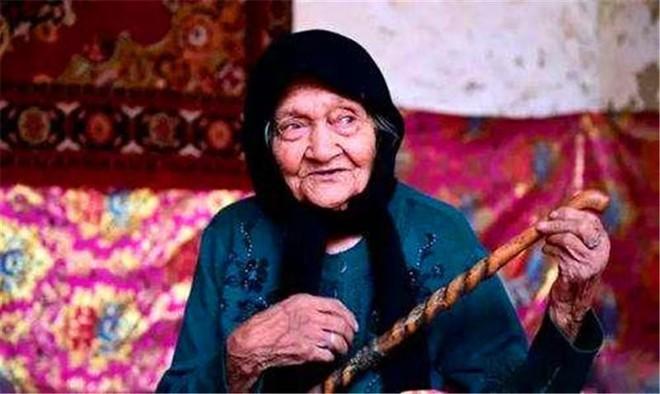 Bí quyết sống khỏe của cụ bà 132 tuổi: 4 điểm chính mà ai trong cuộc sống hiện đại cũng phải học - Ảnh 1.