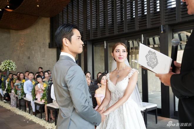 Đám cưới hot nhất Cbiz hôm nay: Trịnh Gia Dĩnh trao nụ hôn ngọt ngào cho bạn gái Hoa hậu trong hôn lễ triệu đô - Ảnh 5.