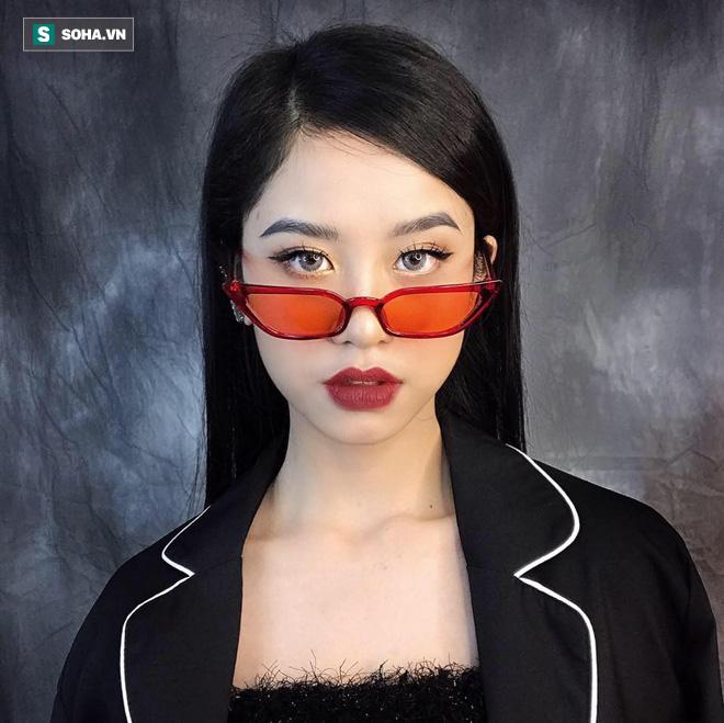 Từ tấm hình chụp vội trong thang máy, cô nàng 18 tuổi bỗng hot trên mạng xã hội  - Ảnh 7.