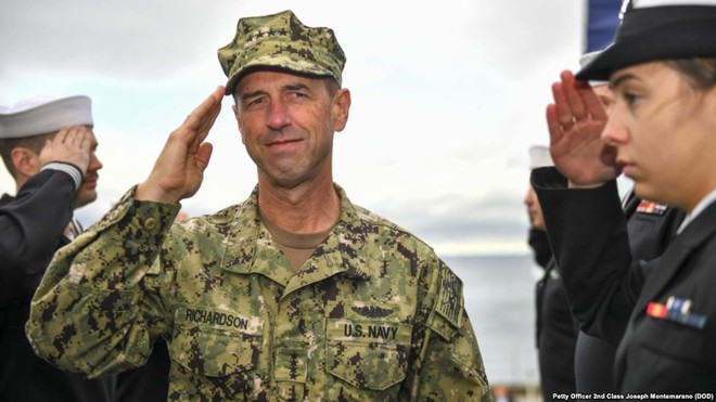 Tư lệnh hải quân Mỹ tuyên bố kiên định bám trụ biển Đông, mặc Trung Quốc hung hăng - Ảnh 1.