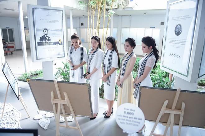 """12 Hoa hậu, Á hậu tỏa sáng tại ngày hội """"Hành trình từ trái tim"""" - Ảnh 3."""