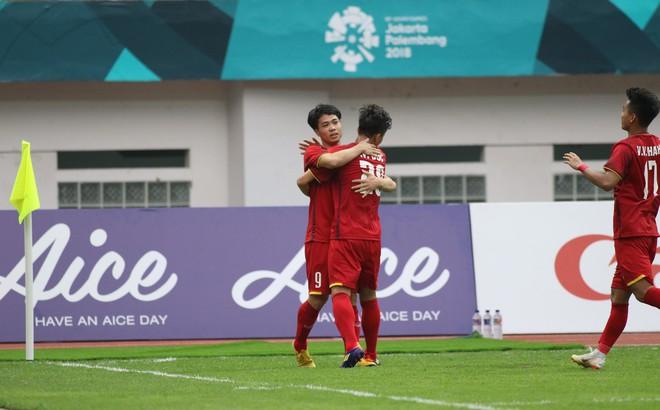 U23 Việt Nam 3-0 U23 Pakistan: Công Phượng ghi bàn sau 2 lần đá hỏng penalty