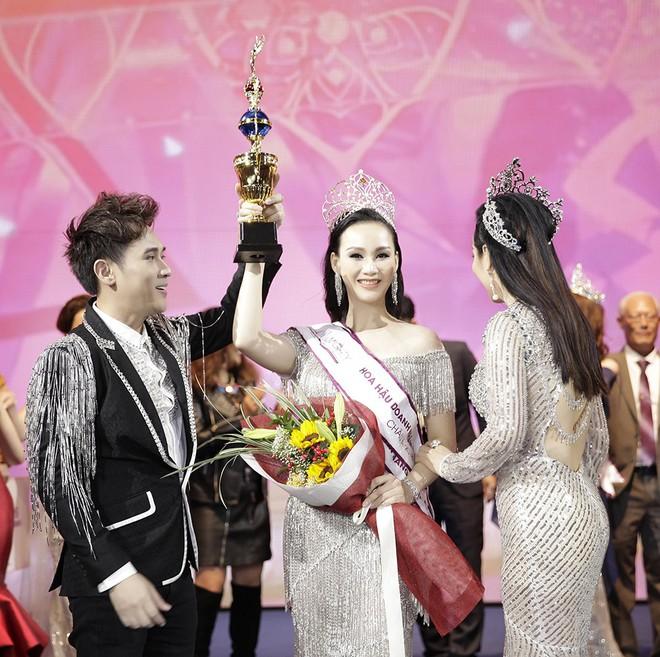 Giáng My, Nguyên Vũ trao vương miện cho cựu người mẫu 20 năm rời xa showbiz - Ảnh 8.