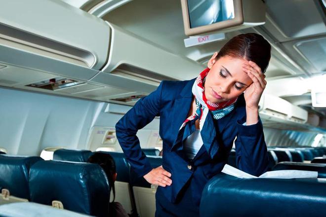 Vì sao dây an toàn của ô tô có phần bảo vệ vai mà máy bay lại không? Lời đáp khiến bạn ái ngại - Ảnh 1.