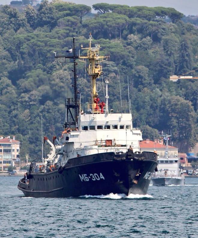 Hải quân Nga ùn ùn tiếp viện hàng nóng cho QĐ Syria chuẩn bị đánh lớn - Ảnh 4.