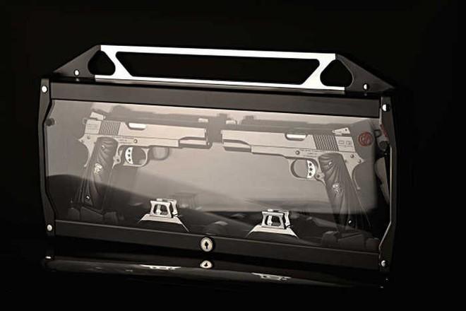 Chiêm ngưỡng cặp súng ngắn M1911 đối xứng gương siêu đẹp, siêu đắt - Ảnh 12.