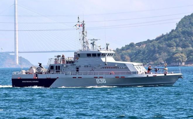 """Hải quân Nga ùn ùn tiếp viện """"hàng nóng"""" cho QĐ Syria chuẩn bị đánh lớn"""