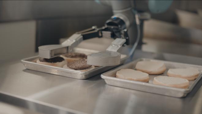 Cuộc xâm lăng không mấy ngọt ngào của robot đầu bếp thời 4.0 - Ảnh 2.