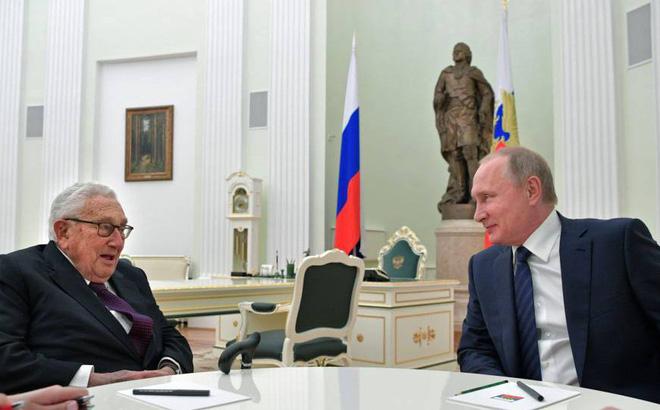Người bạn lâu năm trở mặt thành tri kỷ của nước Nga, Trung Quốc nổi đóa lo sợ