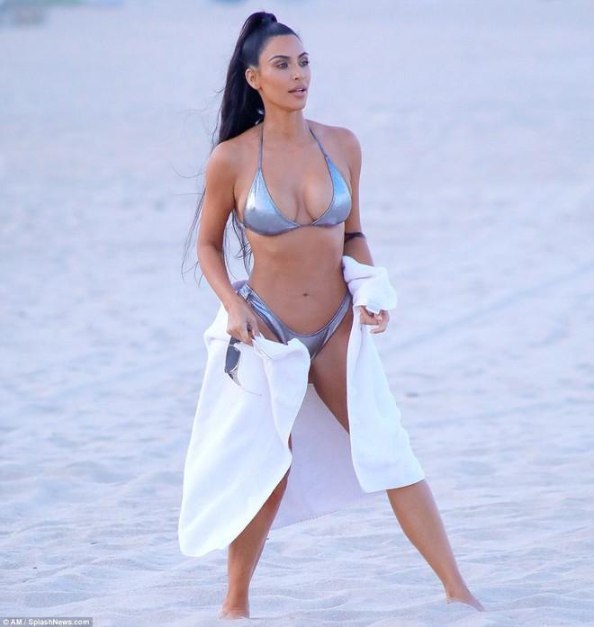 Nhìn body chuẩn đồng hồ cát của Kim Kardashian hiện giờ, bảo đảm bạn sẽ có thêm động lực giảm cân! - Ảnh 3.