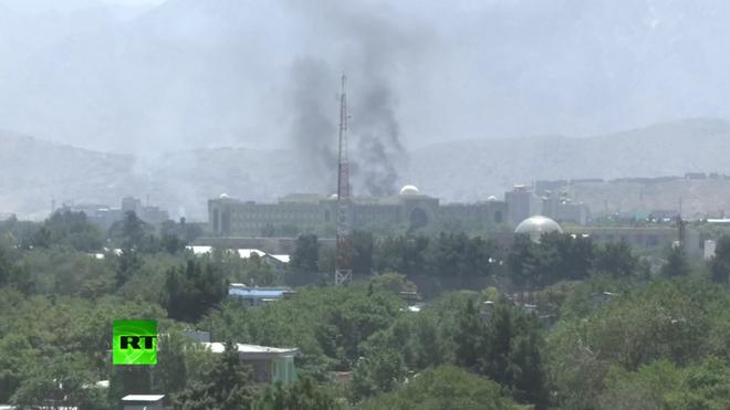 Afghanistan: Hàng loạt tên lửa khai hỏa ở thủ đô nã vào phủ tổng thống - Ảnh 2.