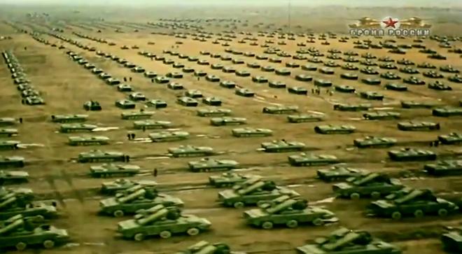 Những hình ảnh ấn tượng về cuộc tập trận lớn nhất lịch sử Liên Xô - ảnh 1