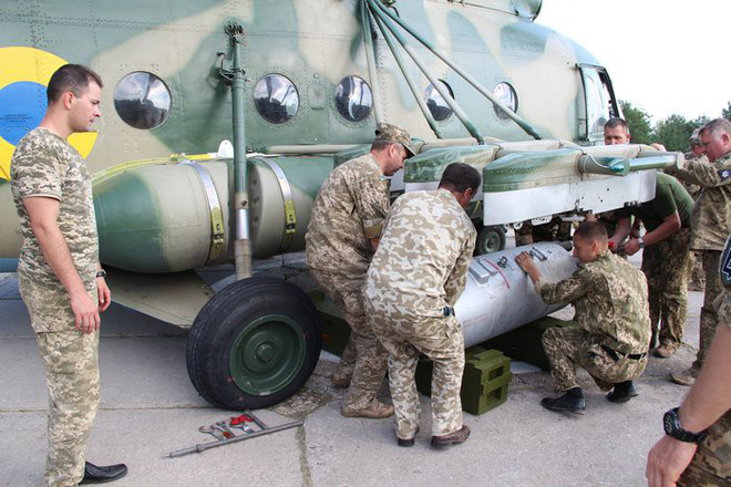 Trực thăng Mi-8 ồ ạt nã 300 tên lửa Oskol: Ukraine khẳng định chất lượng vũ khí nội địa - Ảnh 2.