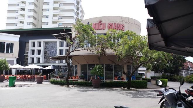 """Bên trong quán cơm tấm nổi tiếng bị phát hiện sử dụng nguyên liệu """"lạ"""" ở Sài Gòn - Ảnh 1."""